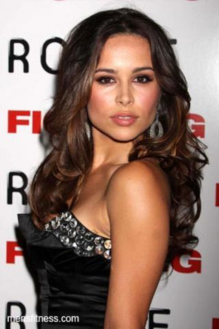 actress Zulay Henao 22 years romantic photography beach
