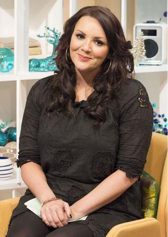 models Martine McCutcheon 21 years uncovered picture beach