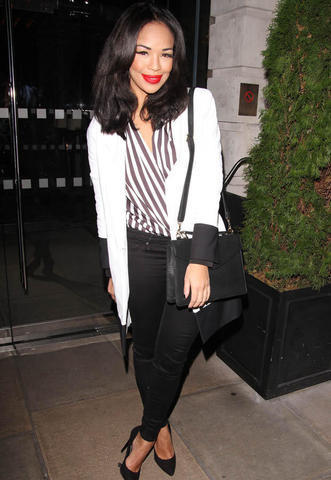 actress Sarah-Jane Crawford 20 years amatory image in the club