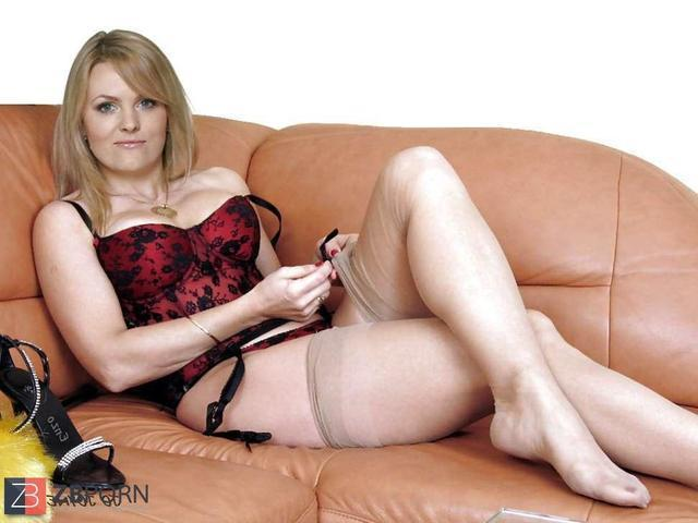 actress Jo Joyner young in one's birthday suit photo home