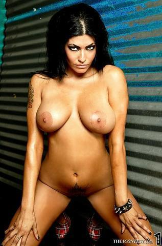 celebritie Shelly Martinez young tits snapshot home