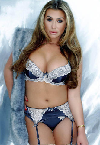 celebritie Lauren Goodger 19 years Without clothing picture in the club