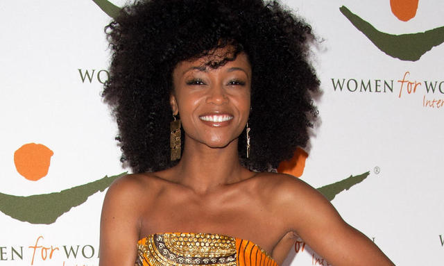 actress Yaya DaCosta 24 years exposed pics in public