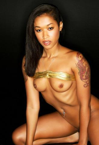 models Skin Diamond 24 years melons photography in public