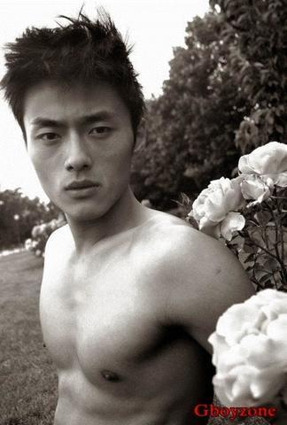 Naked Tao Zhao picture