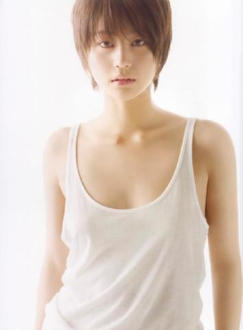 celebritie Maki Horikita 18 years ass photos in the club