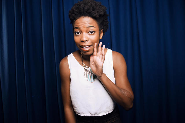 celebritie Sasheer Zamata 23 years Without bra snapshot in public