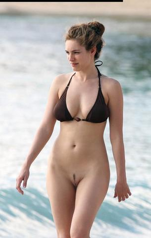 celebritie Kelly Brook 21 years swimsuit snapshot home