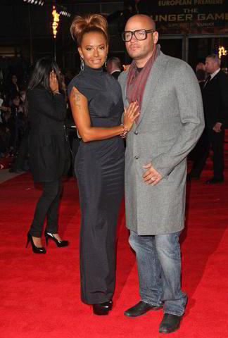 celebritie Melanie Brown 22 years romantic pics home