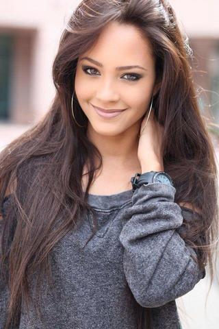 actress Tristin Mays 20 years mammilla snapshot in public