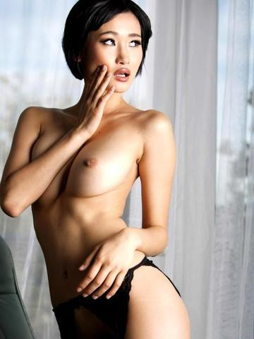 Miki Lee nude photoshoot