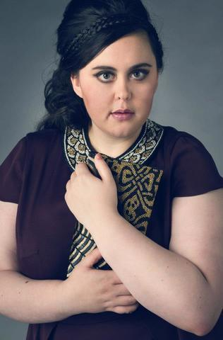 celebritie Sharon Rooney 25 years unexpurgated photo beach