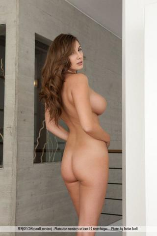 models Connie Carter 23 years nude art photography in public