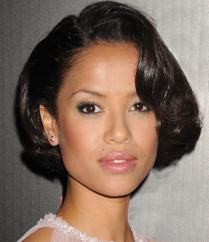 actress Gugu Mbatha-Raw 23 years flirtatious image in the club