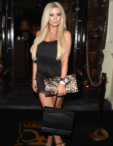 celebritie Nicola McLean 20 years concupiscent photoshoot beach