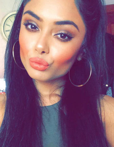 models Afshan Azad 21 years unsheathed art in the club