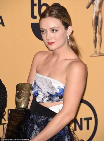 Naked Billie Lourd photos