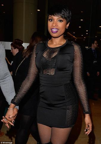 celebritie Jennifer Hudson 18 years barefaced photography in the club
