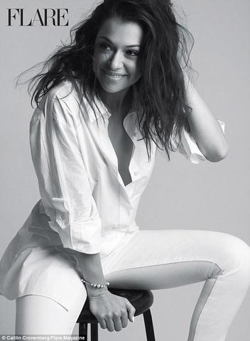 models Tatiana Maslany 25 years stripped photos in public