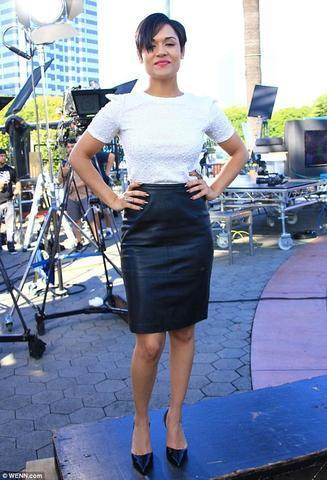 actress Grace Gealey 24 years nudism photo in the club