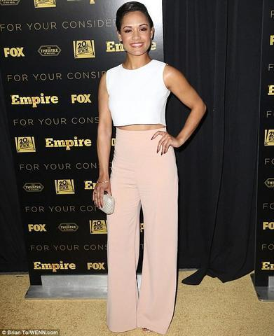 actress Grace Gealey 22 years nude photoshoot in the club
