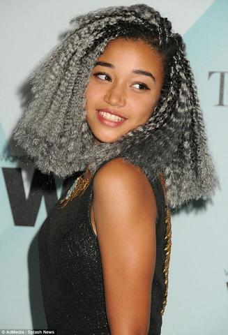 celebritie Amandla Stenberg 18 years Without brassiere foto home