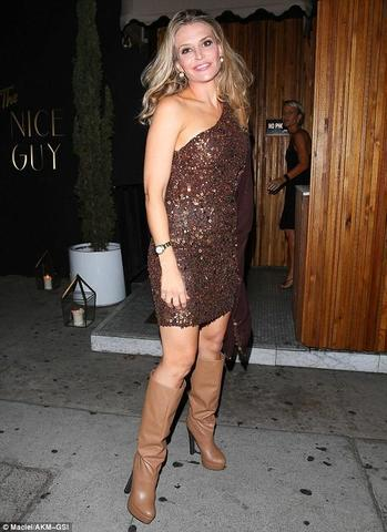 models Brooke Mueller 19 years leafless picture in the club