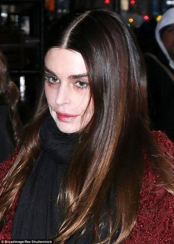 actress Aimee Osbourne 21 years lewd photoshoot beach