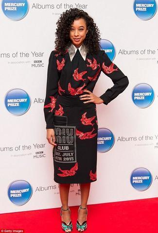 models Corinne Bailey Rae 23 years teat photo in the club