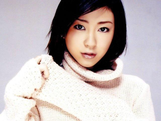 actress Hikaru Utada 23 years Sexy photoshoot beach