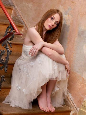 celebritie Rosie Marcel 22 years voluptuous art home