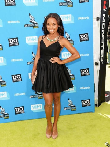 actress Logan Browning teen pussy image in public