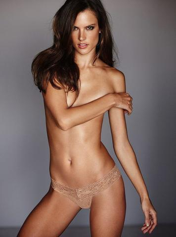 models Alessandra Ambrosio 19 years carnal photoshoot home