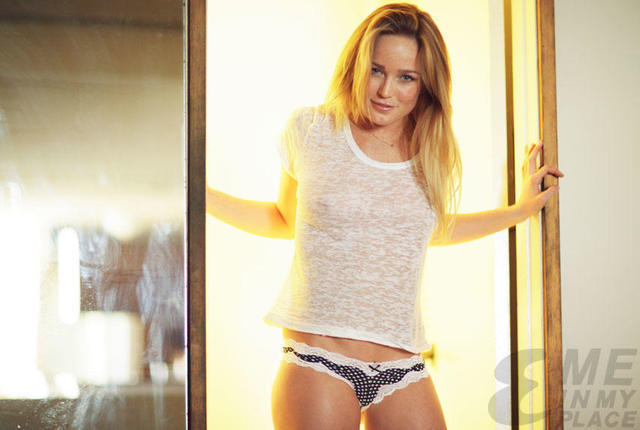 Naked Caity Lotz picture