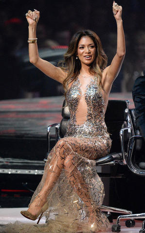 models Nicole Scherzinger 25 years risqué picture in the club