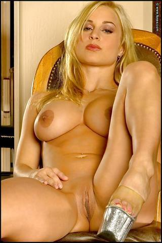 actress Jenny Poussin 18 years k-naked pics beach