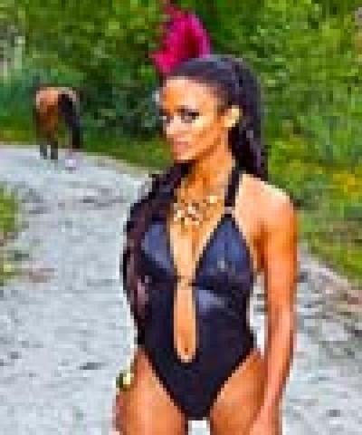 models Kandyse McClure 24 years bawdy snapshot in public