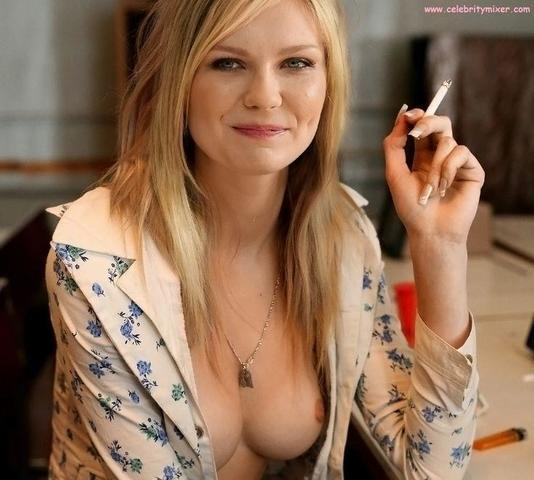 actress Kirsten Dunst 22 years sensual image in public