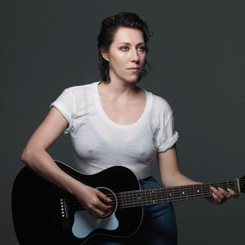 actress Martha Wainwright 19 years unexpurgated foto in the club