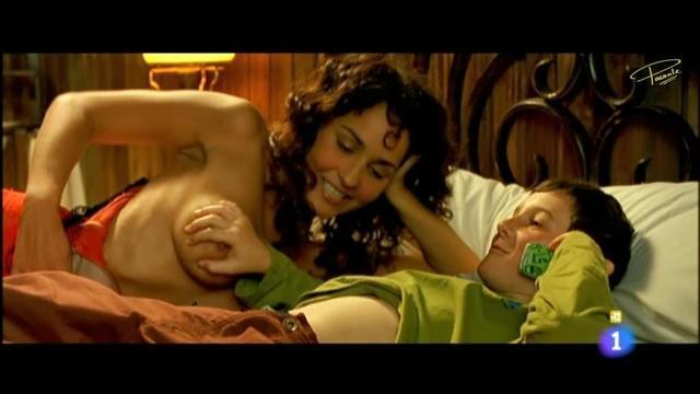 actress Nerea Camacho 2015 nipple snapshot in the club