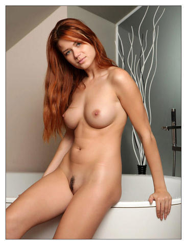 Naked Sierra Sinn photo
