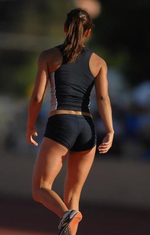 celebritie Allison Stokke 18 years bared photo in the club