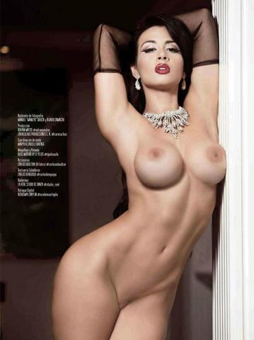 Diosa topless photography