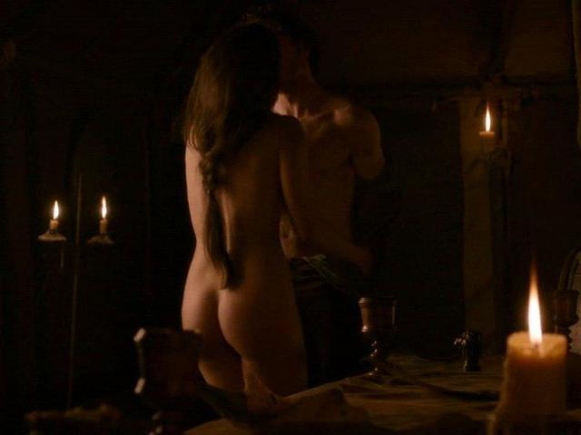 Oona Chaplin nude photos