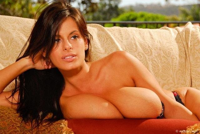 actress Mimi Ferrer 24 years seductive pics beach