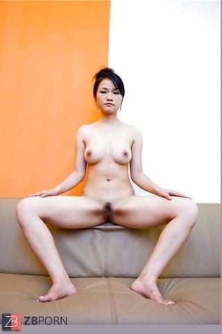 Naked Xinyi Zhang picture