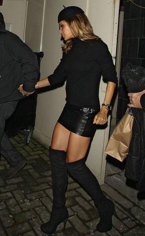 celebritie Ayda Field 22 years provocative image in the club