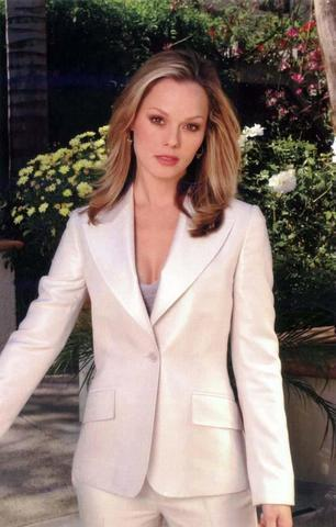actress Kate Levering 24 years Sexy picture home