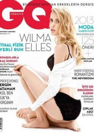 celebritie Wilma Elles 22 years unclad snapshot in public
