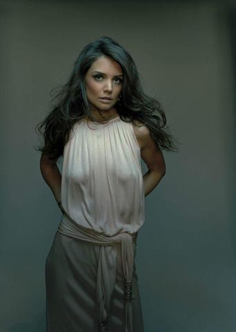 actress Katie Holmes 20 years denuded photo in the club